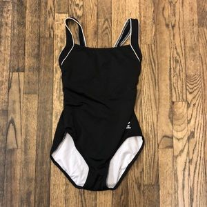 TYR Durafast Black bathing suit size 8